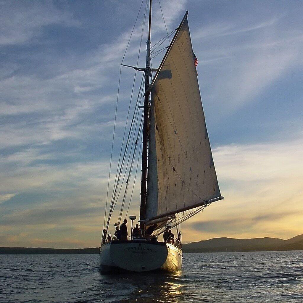 camden-windjammer-sunset-sail-1